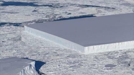 NASA halla un iceberg recortado de forma rectangular
