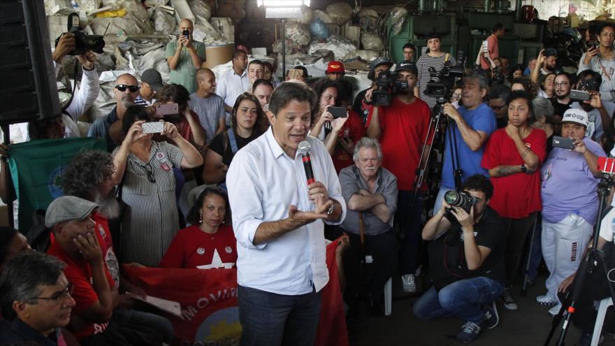 Haddad: Democracia está en riesgo si Bolsonaro gana Presidencia