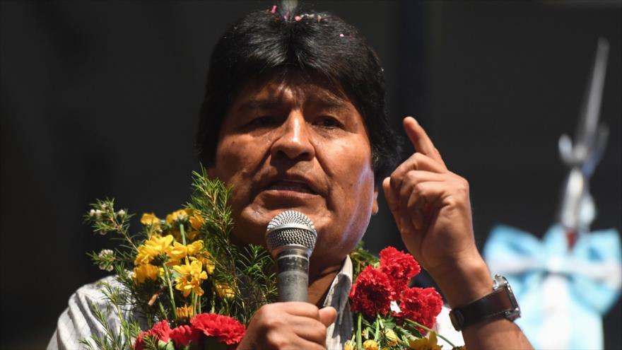 El presidente de Bolivia, Evo Morales, habla en el consulado boliviano en Buenos Aires, Argentina, 19 de octubre de 2018. (Fuente: AFP)