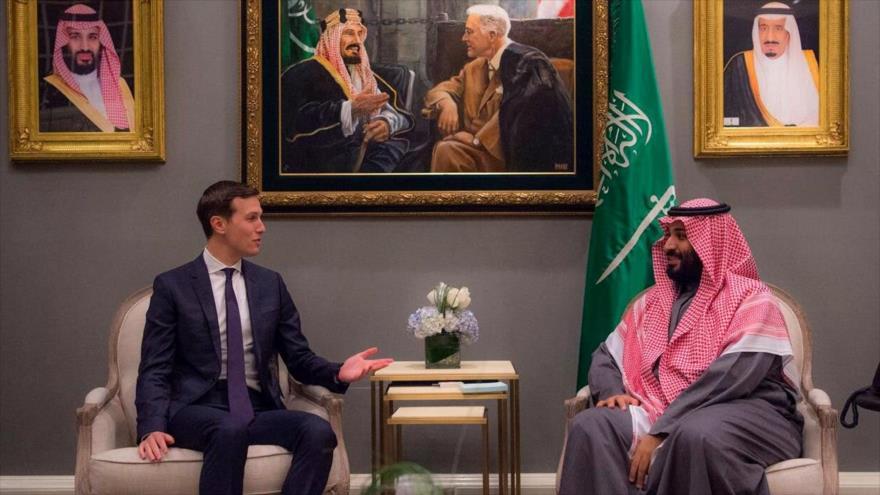 Jared Kushner, asesor y yerno del presidente estadounidense, Donald Trump, reunido con el príncipe heredero saudí, Muhamad bin Salman, en Arabia Saudí.