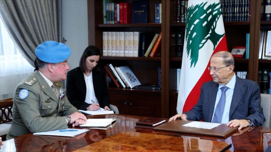 El presidente libanés, Michel Aoun (dcha.), y el secretario general de la UNIFIL, Stefano Del Col, en Beirut, 23 de octubre de 2018.
