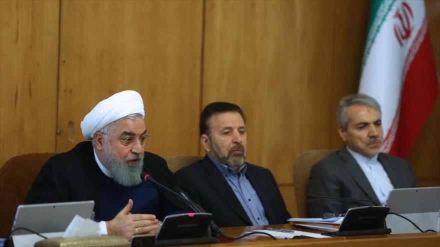 Hasan Rohani, presidente de Irán, habla en una reunión ministerial en Teherán, capital persa, 24 de octubre de 2018.