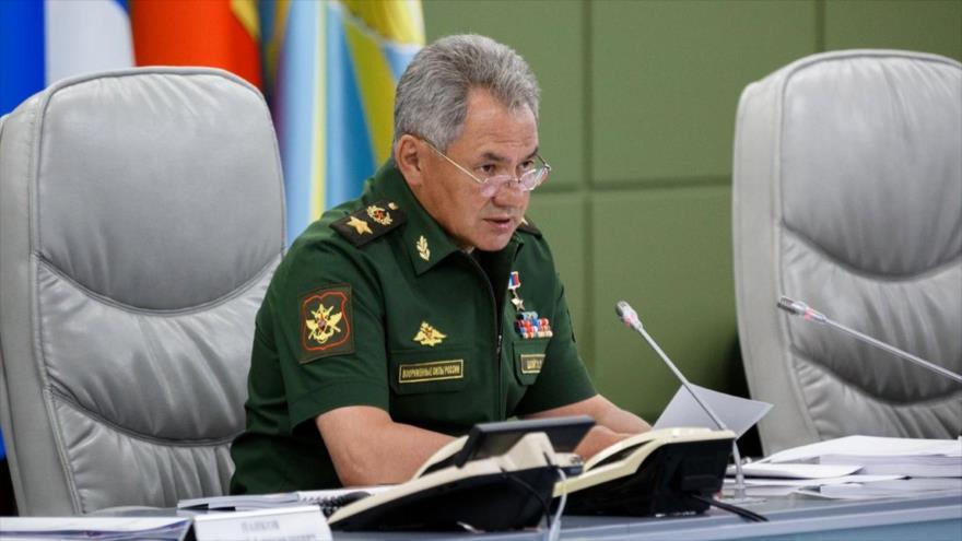El ministro ruso de Defensa, Serguéi Shoigu, ofrece una rueda de prensa.