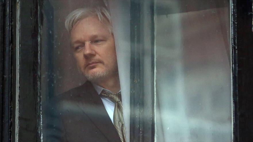 El fundador de Wikileaks, Julian Assange, en la embajada de Ecuador en Londres, capital británica, 5 de febrero de 2016. (Foto:AFP)