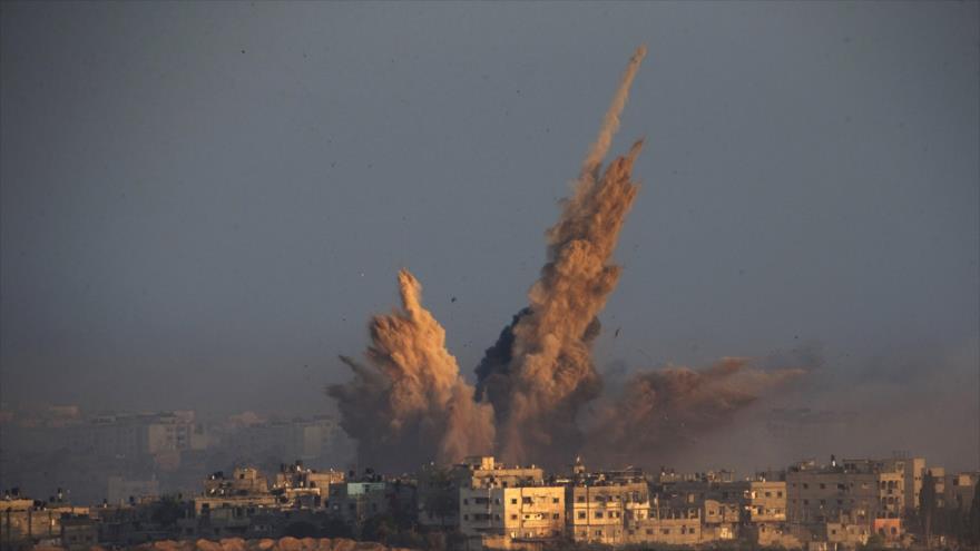 Una explosión en la Franja de Gaza debido a un bombardeo israelí.