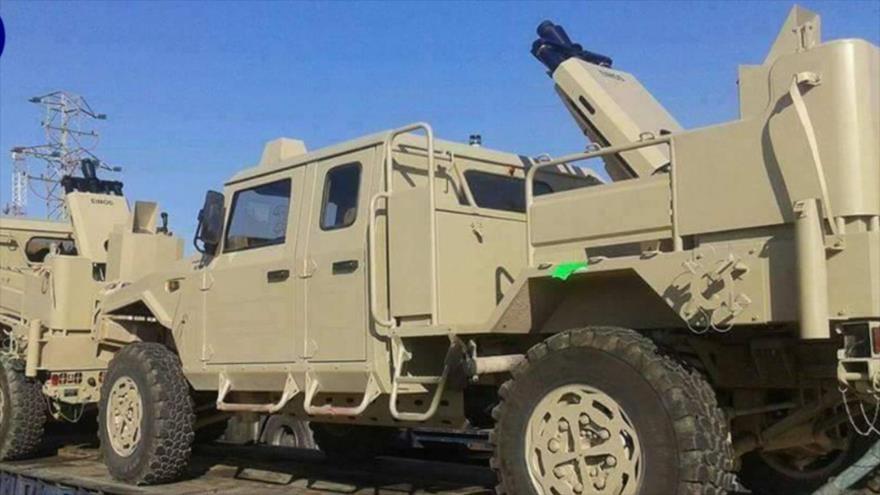 Camiones trasladan vehículos militares estadounidenses a los kurdos en Siria, 10 mayo de 2017.