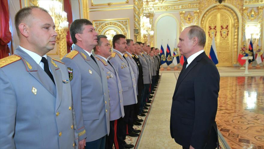 Putin insta a reforzar el Ejército ruso ante potenciales amenazas