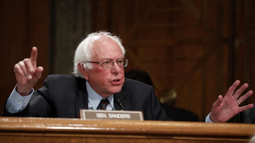 El senador estadounidense Bernie Sanders habla ante una audiencia en Capitol Hill, en Washington, la capital, 6 de junio de 2018. (Foto: AFP)