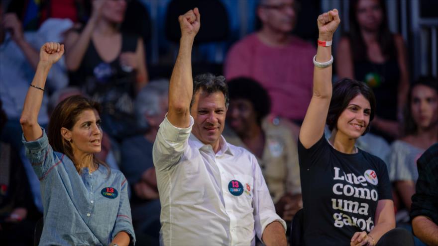 Haddad acorta distancia con Bolsonaro a días de balotaje en Brasil