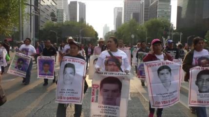 EPN no cumplió: Padres de los 43 normalistas de Ayotzinapa