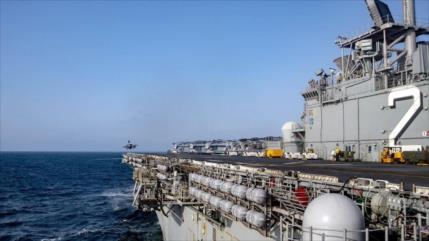 'Barcos iraníes se acercan a buque de EEUU en el Golfo Pérsico'