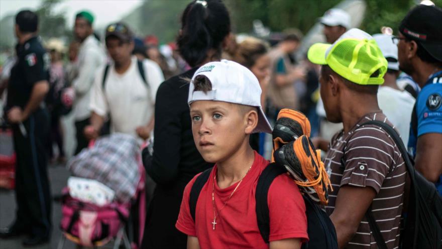 Caravana de migrantes hondureños avanza por el sur de México rumbo a la frontera de Estados Unidos, 26 de octubre de 2018. (Foto: AFP)