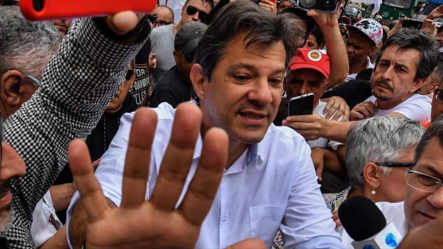 Mayoría de 'fake news' en Brasil busca perjudicar a Haddad
