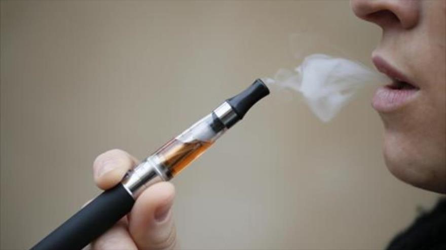 Detectan posibles elementos tóxicos en cigarrillos electrónicos | HISPANTV