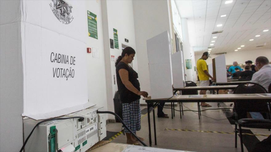 Comienza la segunda vuelta de elecciones presidenciales en Brasil