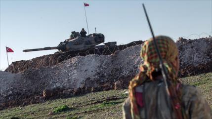 Turquía bombardea a una milicia kurda apoyada por EEUU en Siria