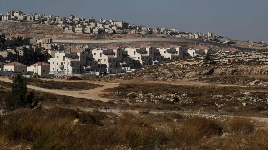 El asentamiento israelí de Neve Yaakov, al norte de Al-Quds (Jerusalén), 27 de septiembre de 2018. (Foto: AFP)