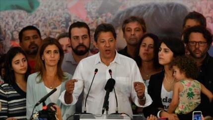 """Haddad advierte de que """"hay mucho en juego"""" en Brasil"""