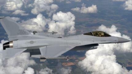 Cazas surcoreanos despegan para advertencia a avión chino