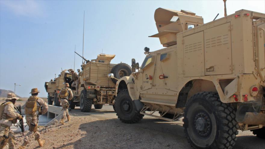 Militares leales a las fuerzas de la coalición liderada por Arabia Saudí en el puerto de Adén, 29 de octubre de 2018. (Fuente: AFP).