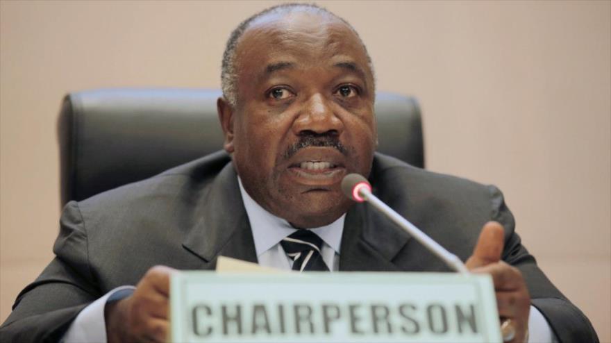 El presidente de Gabón, Ali Bongo, habla en una sesión de la Unión Africana (UA) en Addis Ababa capital de Etiopía, 29 de enero de 2018.