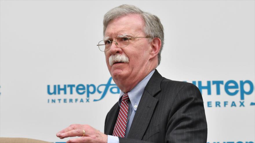 Consejero de la Casa Blanca para la Seguridad Nacional, John Bolton, da una rueda de prensa en Moscú, capital rusa, 23 de octubre de 2018. (Foto: AFP)