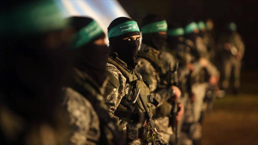 Miembros del brazo armado de HAMAS, las Brigadas Ezzedin Al-Qassam, en un desfile en Gaza.