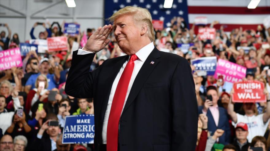 'Trump dijo que negros son demasiado estúpidos para votar por él'