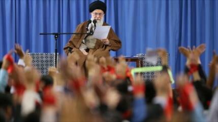 Líder de Irán: EEUU es el enemigo de la nación persa