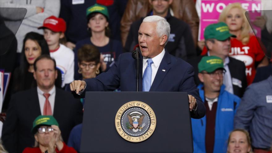 El vicepresidente de EE.UU., Mike Pence, habla en un mitin electoral en Indianapolis, Indiana, 2 de noviembre de 2018. (Foto: AFP)