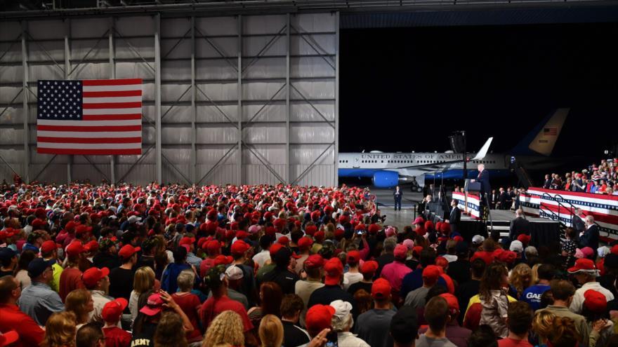 El presidente de EE.UU., Donald Trump, en un mitin de mitad de mandato del Partido Republicano en Florida, 3 de noviembre de 2018. (Foto: AFP)