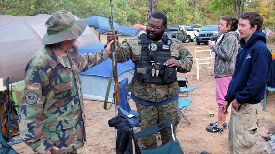 Milicianos de EEUU se dirigen a frontera sur para detener a migrantes