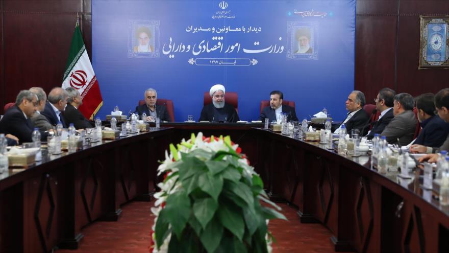 Rohani: Irán desafiará con orgullo nuevas sanciones de EEUU
