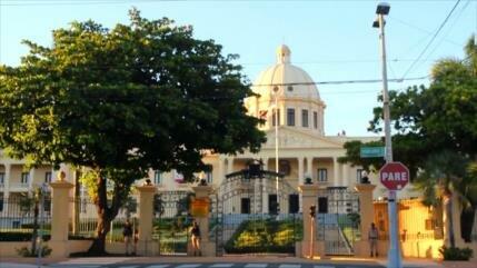 Críticas por inequidad salarial en República Dominicana