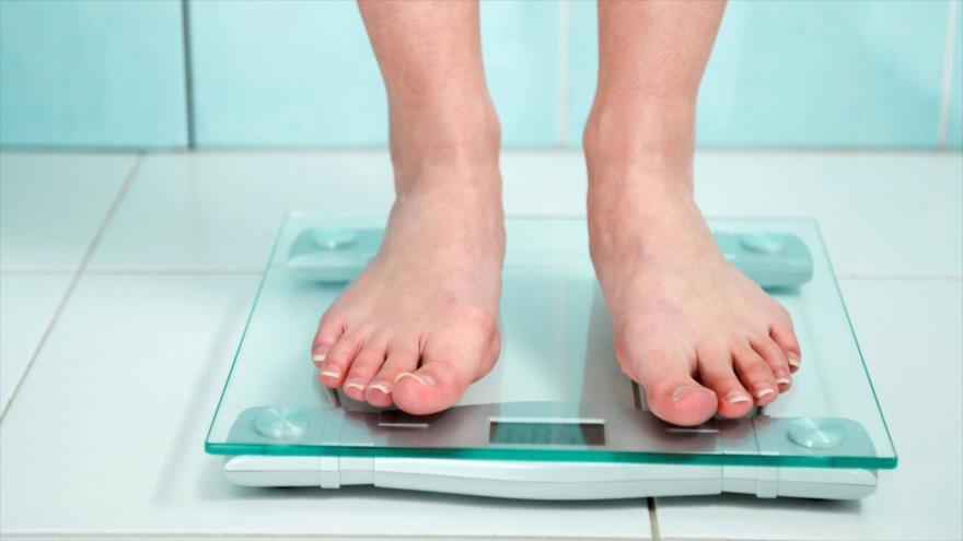 Los que se pesan son más inclinados a perder peso