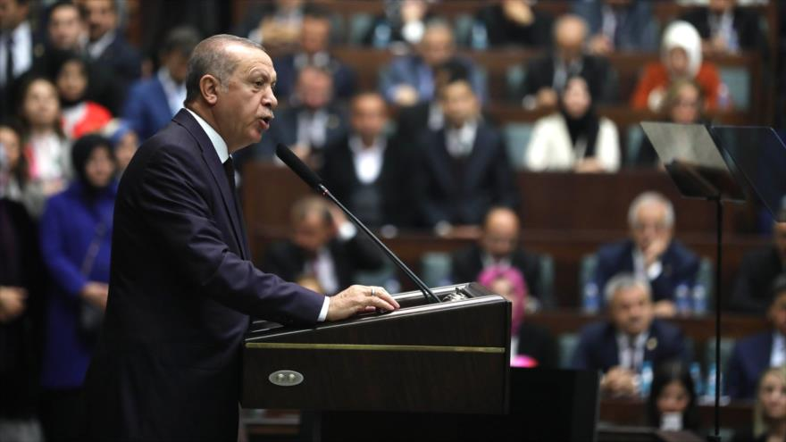 El presidente de Turquía, Recep Tayyip Erdogan, ofrece un discurso en Ankara, 6 de noviembre de 2018. (Foto: AFP)