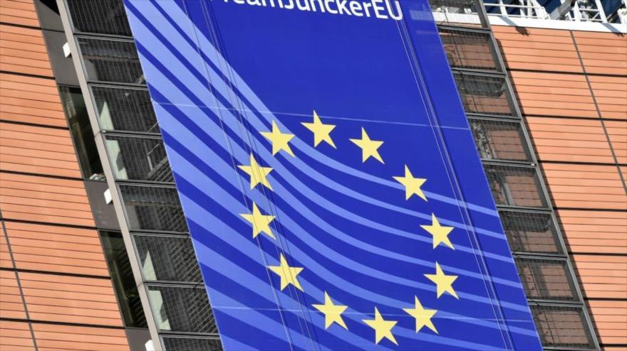 La bandera de la Unión Europea (UE) en la sede del Consejo Europeo en Bruselas, 23 de febrero de 2018. (Foto: AFP)