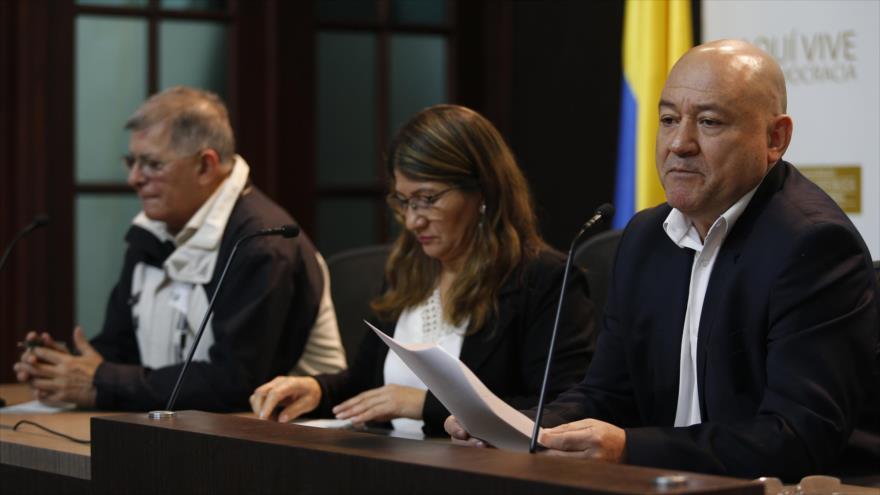 Miembros del partido político FARC ofrecen una rueda de prensa en el Congreso de Colombia en Bogotá, 1 de noviembre de 2018. (Foto: AFP)