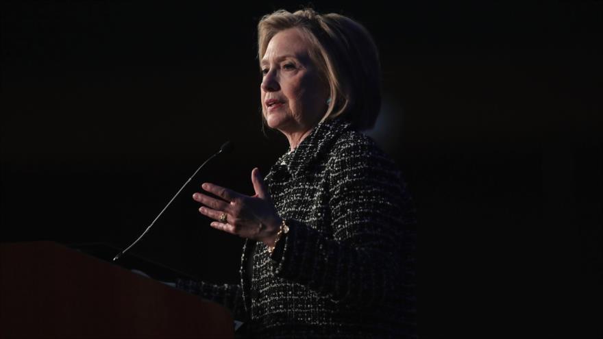 Clinton pide a EEUU votar contra radicalismo y corrupción de Trump