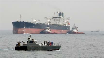 EEUU amenaza a petroleros iraníes: accidentes son posibles