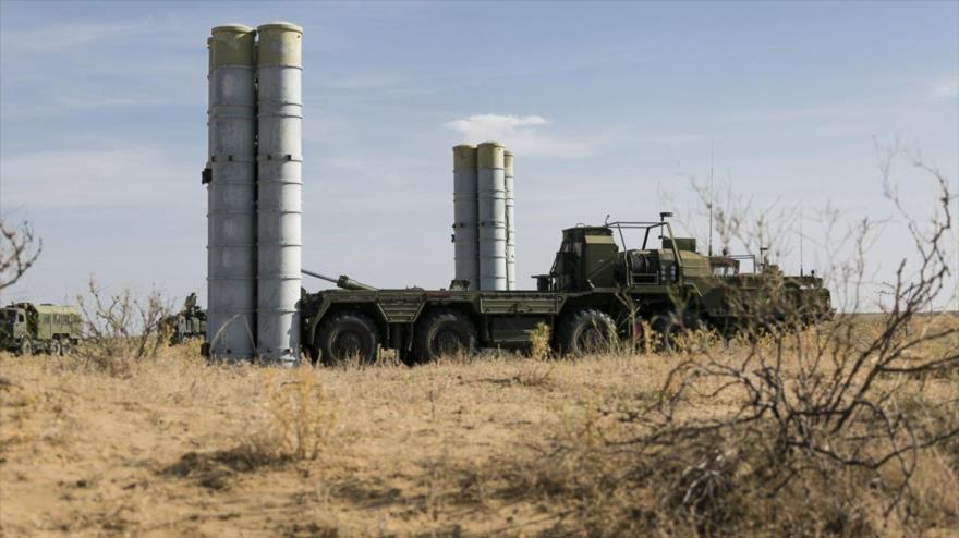 Los sistemas antiaéreos S-300 del Ejército ruso.