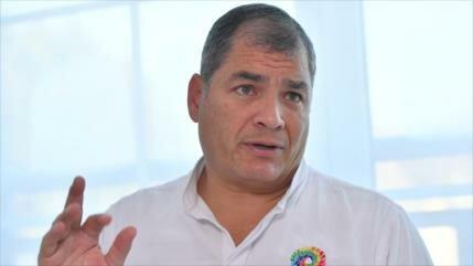 Correa dice ser víctima de una traición y promete victoria