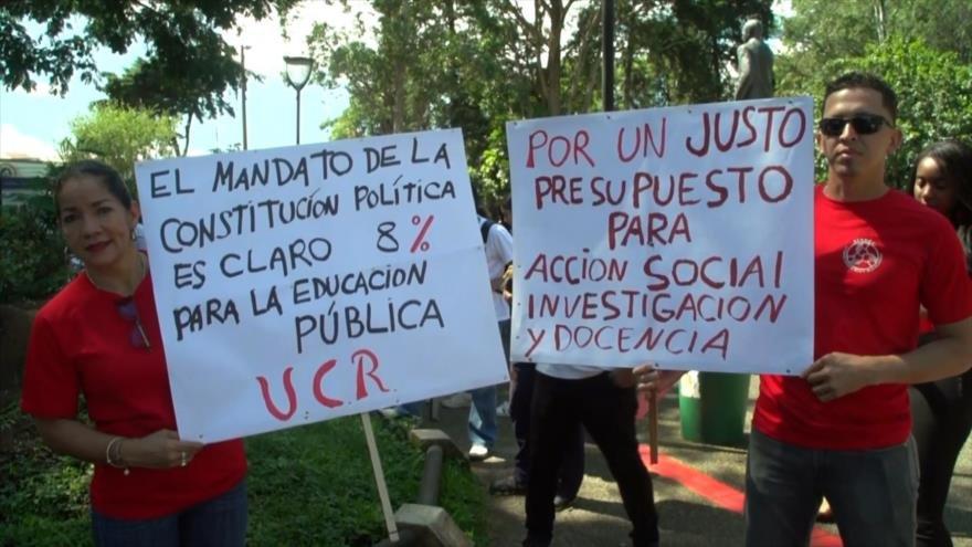 Estudiantes en Costa Rica marchan contra recortes en educación
