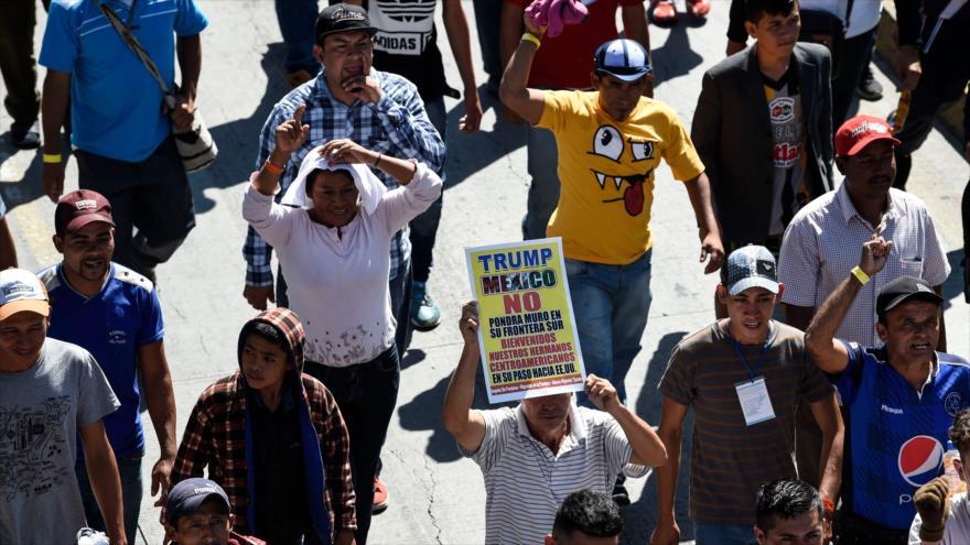 Un grupo de migrantes centroamericanos que se dirigen a EE.UU. en la Ciudad de México, 8 de noviembre de 2018. (Foto: AFP)