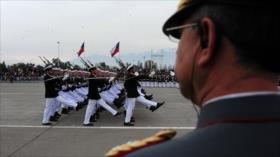 Ejército de Chile remueve a 21 generales en medio de fraudes