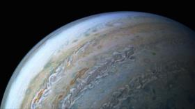 Fotos: La NASA capta un delfín cósmico en las nubes de Júpiter