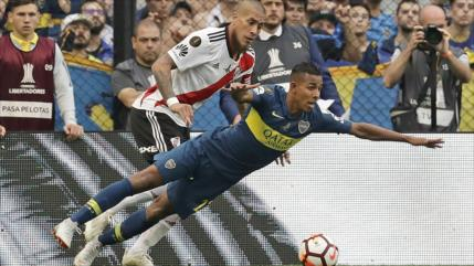 Boca y River empatan 2-2 en la ida de final de Copa Libertadores