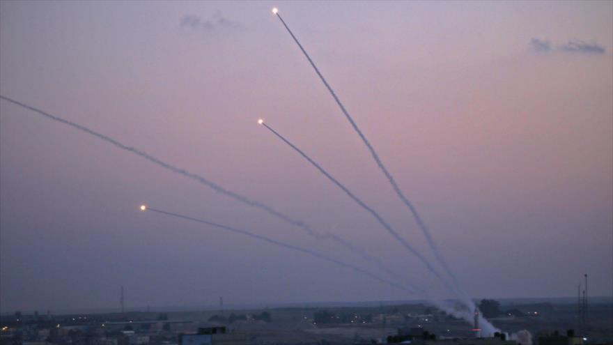 HAMAS responde con decenas de cohetes a ataques israelíes a Gaza