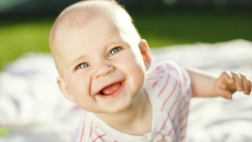 Estudio revela que los bebés se ríen muy diferente a los adultos | HISPANTV