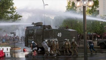 Vídeo: Reprimen protesta de chilenos por violencia contra mapuches